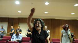 Απειλές Ρουπακιά σε φωτορεπόρτερ. Ένταση μεταξύ της μητέρας του Παύλου Φύσσα με υποστηριχτές των