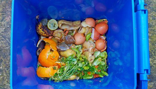 «Μπορούμε στη Λαϊκή»: Πώς 10 τόνοι φρέσκων φρούτων και λαχανικών δεν καταλήγουν στα