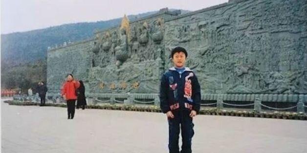 Μέλλουσα νύφη στην Κίνα αναγνώρισε την μητέρα της σε παιδική φωτογραφία του συντρόφου της και το διαδίκτυο...