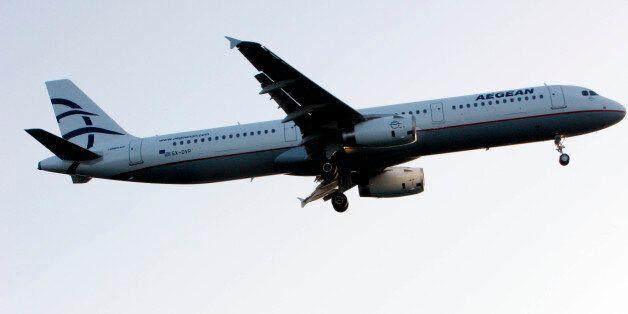 Χαμός σε πτήση της Aegean στην Κύπρο: Βρετανός άρχισε να φωνάζει «δεν με νοιάζει αν