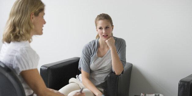 Πώς να πείτε αν τα ραντεβού σας ή οι φίλοι σας κανόνες γνωριμιών κειμένου