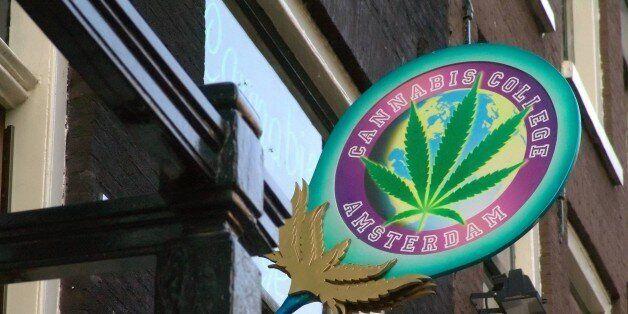 (GERMANY OUT) Niederlande, Amsterdam: Informationsstelle und Coffee Shop Cannabis College (Photo by JOKER/Hartwig...