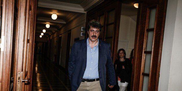 Οι δηλώσεις μου ερμηνεύονται υπό το πρίσμα της επίθεσης στην κυβέρνηση, λέει ο Πολάκης και θέτει εαυτόν...