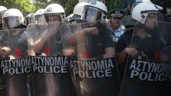 Σύγκρουση Τόσκα- ΜΑΤ: Την πόρτα της εξόδου στους «αντιδρώντες» δείχνει ο