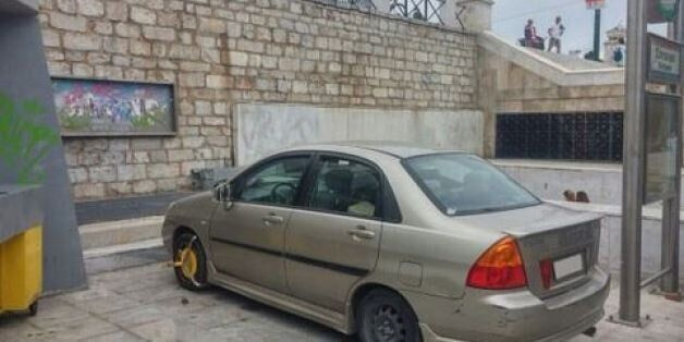 O Ελληνάρας της χρονιάς: Το παρκάρισμα στο Σύνταγμα που έγινε viral και αποκάλυψε ο Γιώργος