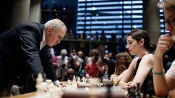 Επίδειξη σκακιού από τον Γκάρι Κασπάροφ στη