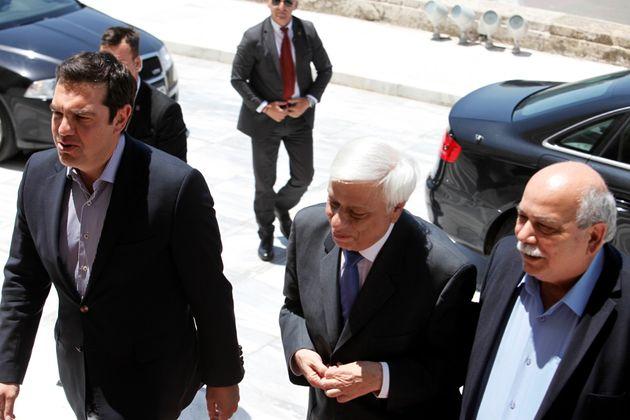 Τσίπρας, Παυλόπουλος και «όλον ΠΑΣΟΚ» στην εκδήλωση για τον