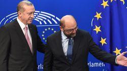 Επιστολή Σουλτς στον Ερντογάν. Καταδικάζει τις απειλές του προς τους Γερμανούς