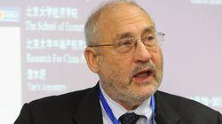 «Συστημικά» τα προβλήματα του ευρώ, δηλώνει ο νομπελίστας οικονομολόγος Τζόζεφ
