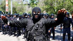 Με πυρά απάντησαν οι ένοπλοι τρομοκράτες στο Καζακστάν στην πρόταση της αστυνομίας να
