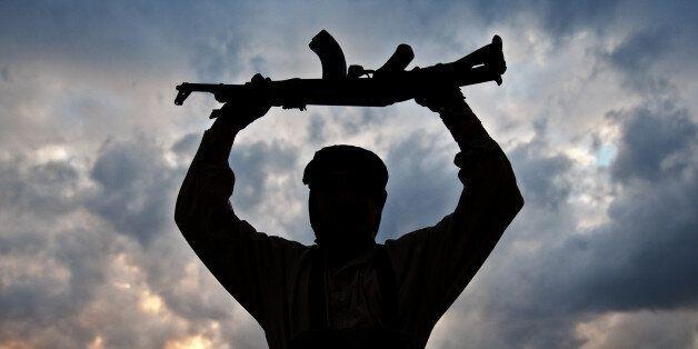 Ταξιαρχίες σύμμαχες της κυβέρνησης της Λιβύης ανακατέλαβαν αεροπορική βάση από το Ισλαμικό