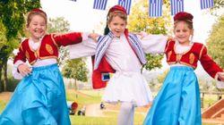 «Χώρα Ελλάδα μας γλυκιά». Το τραγούδι και το μήνυμα μαθητών της ομογένειας στην μακρινή τους