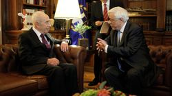 Συνάντηση Παυλόπουλου με τον Σιμόν Πέρες. «Η οικονομία πρέπει να υπηρετεί τον άνθρωπο, και όχι ο άνθρωπος την