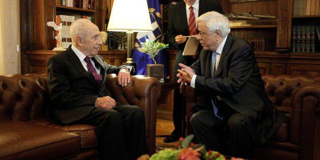 Συνάντηση Παυλόπουλου με τον Σιμόν Πέρες. «Η οικονομία πρέπει να υπηρετεί τον άνθρωπο, και όχι ο άνθρωπος...
