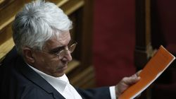 Μπλόκο με νομοτεχνική βελτίωση στην αμνήστευση πολιτικών προσώπων για συμμετοχή σε off sore