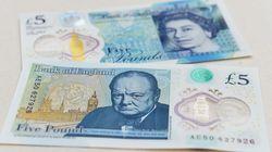 Γιατί ο Ουίνστον Τσώρτσιλ είναι θυμωμένος στο νέο καινοτόμο πλαστικό χαρτονόμισμα των πέντε