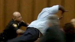Πατέρας επιτίθεται στο δολοφόνο της κόρης του μέσα σε