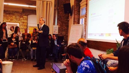 Jeremy Caplan: «Επιχειρηματική δημοσιογραφία» είναι να κάνουμε την ποιοτική δημοσιογραφία