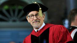 Η συμβουλή του Steven Spielberg στους αποφοίτους του Harvard: Νικήστε τα τέρατα, γίνετε