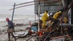 Μπανγκλαντές: Τουλάχιστον 20 νεκροί και 500.000 εκτοπισμένοι από το πέρασμα του τροπικού κυκλώνα