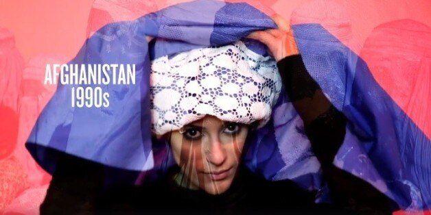 Αυτό το βίντεο με την ιστορία της χιτζάμπ αναβιώνει έναν αιώνα μόδας και πολιτικής μέσα σε 1