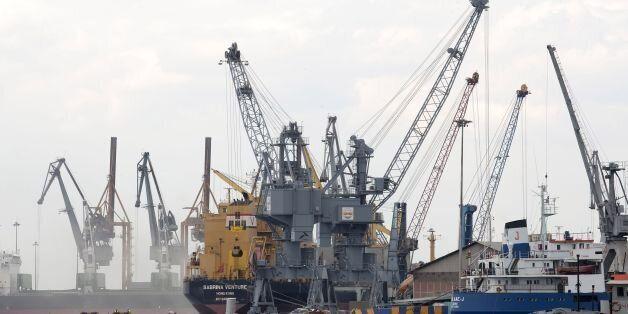 48ωρες επαναλαμβανόμενες απεργίες από την Πέμπτη στα λιμάνια του Πειραιά και της