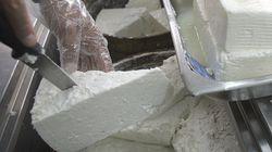 Γαλακτοπαραγωγοί και κτηνοτρόφοι ζητούν από τον πρωθυπουργό να προστατεύσει την ελληνικότητα της