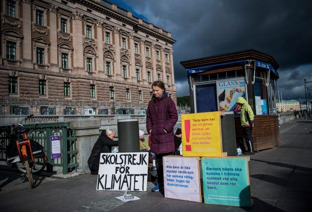 Greta Thunberg en septembre 2018 devant le parlement