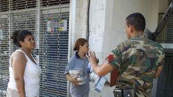 Λεηλασίες στη Βενεζουέλα: Ομάδες πολιτών κλέβουν αλεύρι, κοτόπουλα ακόμα και