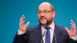 Σουλτς: Η Ελλάδα χρειάζεται ελάφρυνση χρέους. Δεν μπορούμε να κόβουμε άλλο μισθούς και