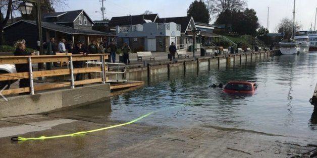 Νεαρή Καναδή έπεσε μέσα σε λίμνη ακολουθώντας τις οδηγίες του