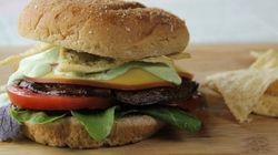 Έρευνα - σοκ για Burgers στις ΗΠΑ: Βρέθηκαν ίχνη ανθρώπινου DNA και