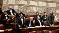 Χαμός στη Βουλή. Φώναξαν το φρούραρχο να απομακρύνει το Λαγό της Χρυσής