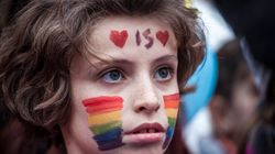 Κατοχύρωση δικαιωμάτων σε παιδιά ομόφυλων ζευγαριών ζητεί ο Συνήγορος του