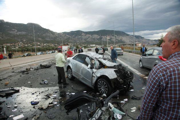 Σοβαρό τροχαίο στην Αθηνών -