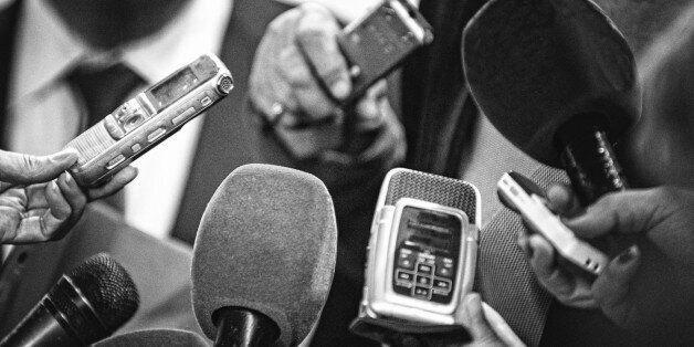 «Εμφύλιος» στα ΜΜΕ. Σύσταση νέου συνδικαλιστικού φορέα ζητούν εκατοντάδες δημοσιογράφοι μπροστά στα αδιέξοδα...