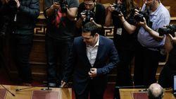 Εγκώμιο για ασφαλιστικό και δριμεία επίθεση στη ΝΔ από τον Τσίπρα ενώπιον της κοινοβουλευτικής του