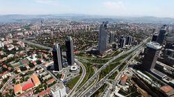 «Μαύρα σύννεφα» στην τουρκική οικονομία λόγω χρεοκοπιών και «κόκκινων»