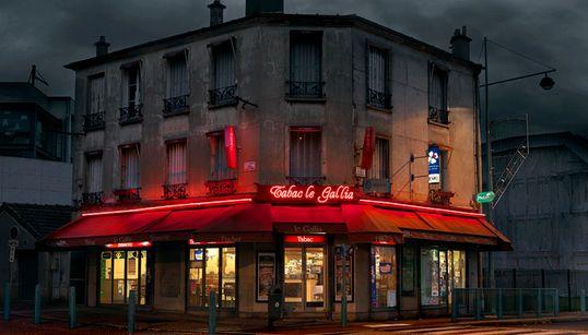 Φωτογραφίζοντας τα μπαρ της Γαλλικής εργατικής