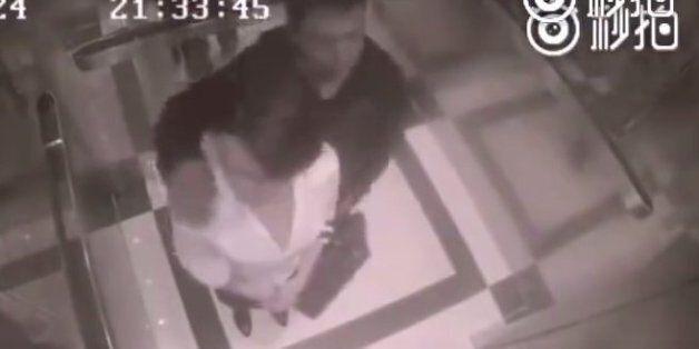 Άνδρας παρενοχλεί σεξουαλικά γυναίκα μέσα σε ασανσέρ και «τρώει» της χρονιάς