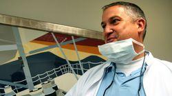 «Οδοντίατρος του Τρόμου» καταδικάστηκε σε φυλάκιση οκτώ ετών στη Γαλλία: Σακάτεψε τουλάχιστον 100