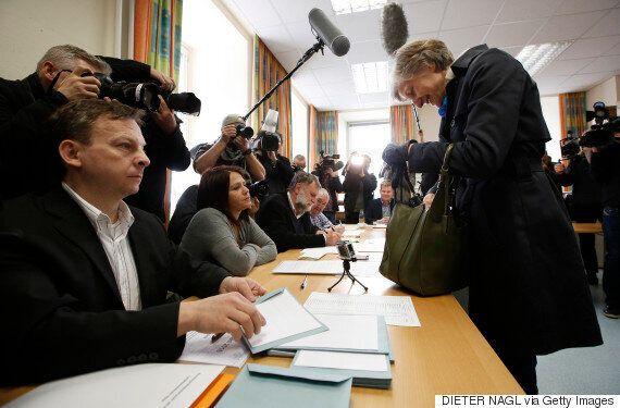 Κερδίζει η ακροδεξιά στις εκλογές της Αυστρίας. Άνοδος του εθνικισμού στη