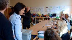 Η Αυστρία εκλέγει τον νέο της πρόεδρο. Μάχη των δύο πολιτικών άκρων βλέπουν οι