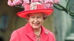Όλα τα υπέροχα πασχαλινά καπέλα που έχει φορέσει η Βασίλισσα Ελισάβετ τα τελευταία