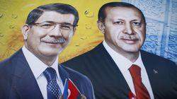 Πώς ο εκλεκτός του Ερντογάν έγινε «προδότης». Το μυστηριώδες blog, o συγγραφέας-φάντασμα και τα επιχειρήματα κατά του
