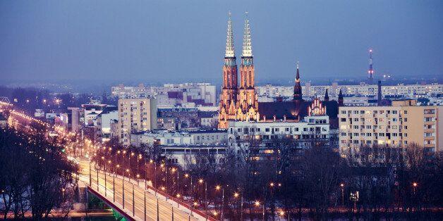 Poland, Warsaw, View over Vistula River towards Praga, Slasko-Dabrowski Bridge on