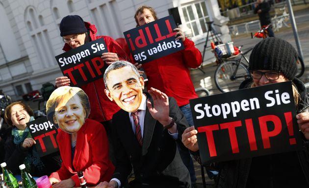 Για πρώτη φορά στη δημοσιότητα έγγραφα της μυστικής συμφωνίας TTIP που διαπραγματεύονται ΗΠΑ-ΕΕ. Τι αποκαλύπτει...
