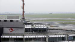 Μια κινητοποίηση των ελεγκτών εναέριας κυκλοφορίας προκαλεί προβλήματα στο αεροδρόμιο των