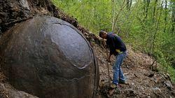 Μυστηριώδης λίθινη σφαίρα βρέθηκε από αρχαιολόγο στη
