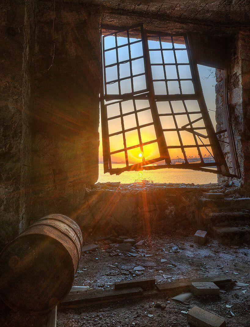 Απόκοσμες περιπλανήσεις σε εγκαταλελειμμένα κτήρια της